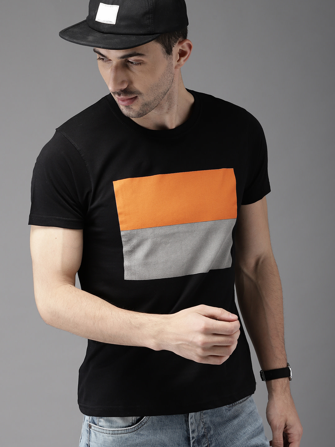 11525433792765-HERENOW-Men-Black-Printed-Round-Neck-T-shirt-2881525433792598-1 (1)